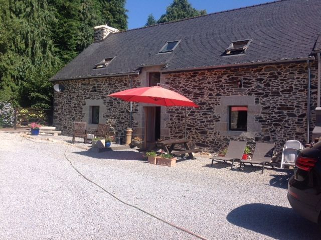 #Brittany cottage - rent it to explore the region; #Carnac #Josselin #Pontivy #Vannes and more! So much to see &amp; do!  https://www. holidayfrancedirect.co.uk/holiday-rental s/BM004319/index.htm &nbsp; … <br>http://pic.twitter.com/efIGtu2DMK