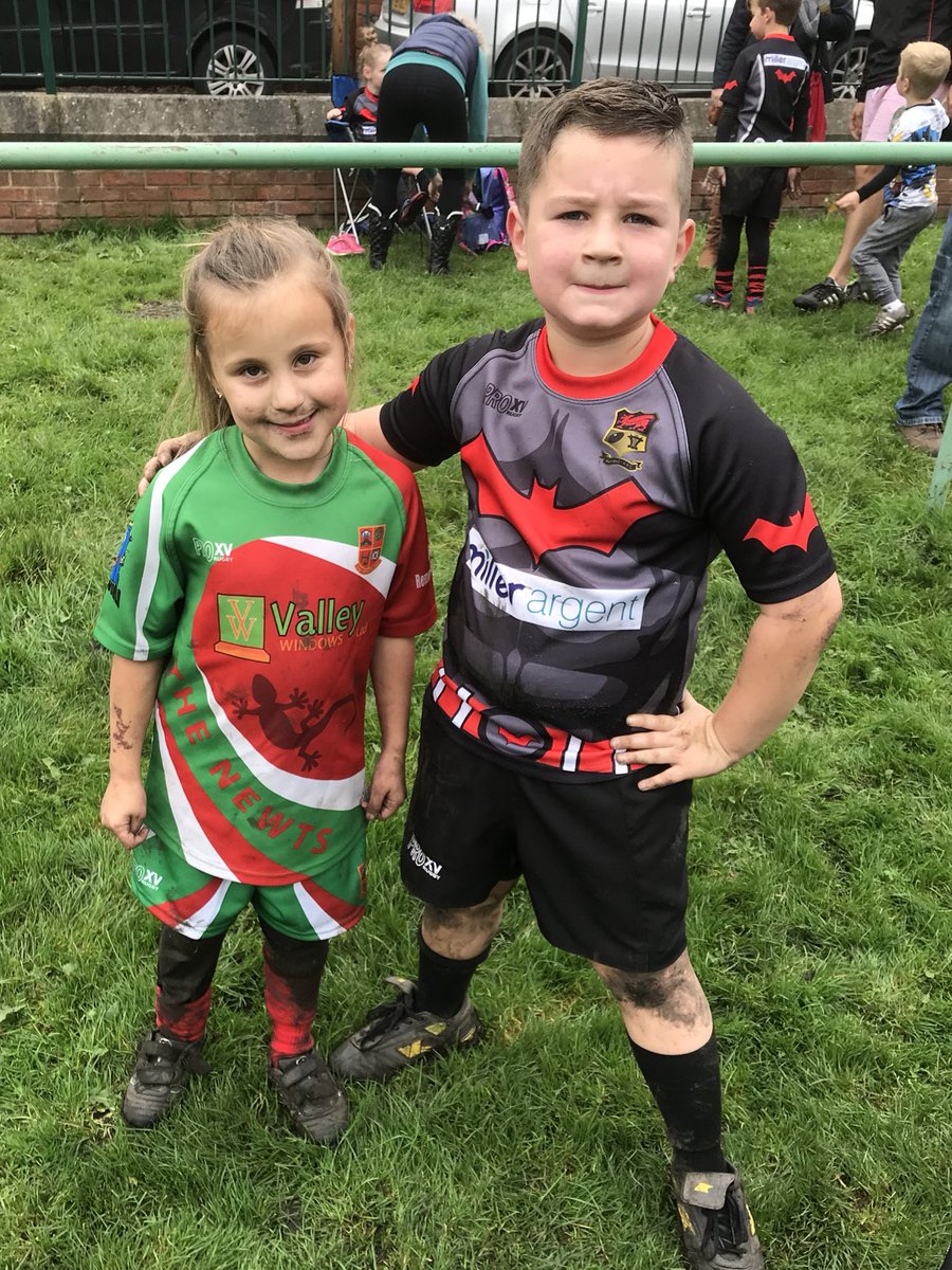 Thank you @MiniNewtsRugby for a warm welcome to our U7's and U8's @RhymneyJ #family #rugbyfamily <br>http://pic.twitter.com/R4OwPxCHss