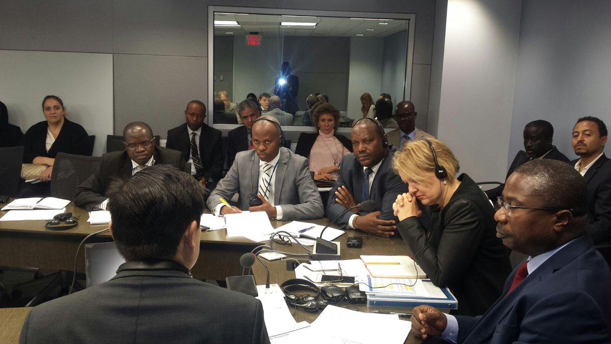 Assemblées annuelles de la @Banquemondiale à #Washington: la délégation du #Burundi conduite par @DRurema, et comprend @MusharitseDpic.twitter.com/4QQg1Cyc45
