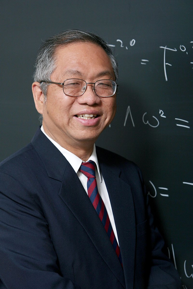 Mathematician Shing-Tung Yau researches differential geometry & won the Fields Medal in 1982   https://t.co/IeGCsHAzav#WorldMathsDay