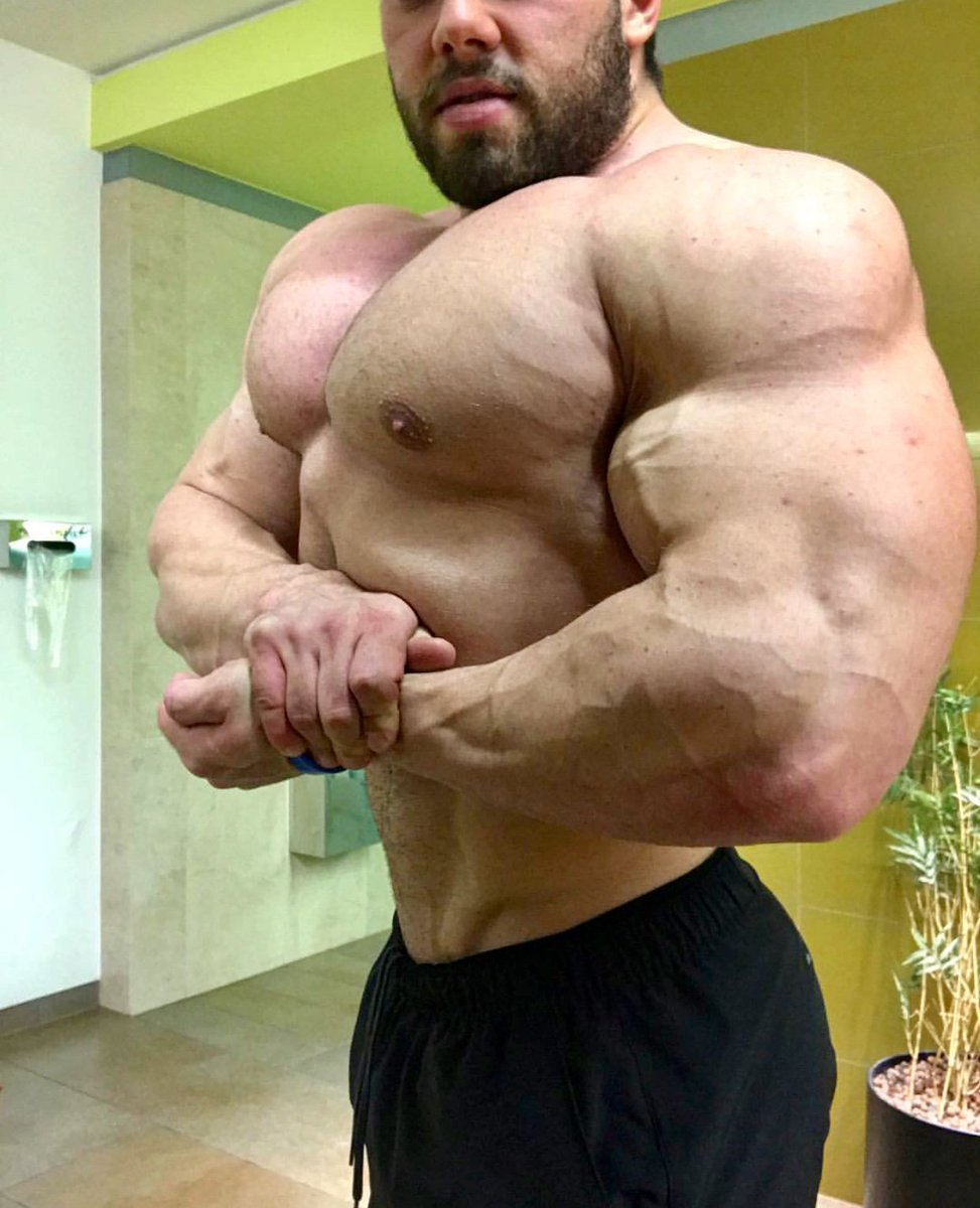 Pavel Cervinka IFBB from Czech Republic in the new update of Muscle Ammiratore and in his Off Season ! See  here: https://muscleammiratore.blogspot.gr/2017/10/pavel-cervinka-ifbb-update-october-2017.html…