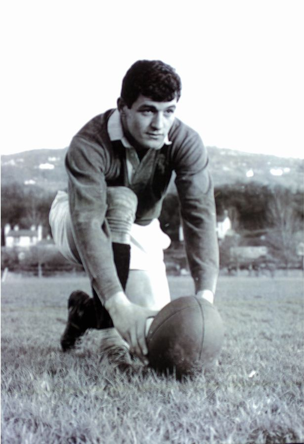 Keith Jarrett Dai Morris Tom David 3 Former @WelshRugbyUnion Greats are supporting Billy Boston #Charity TributeDinner #Respect #RugbyFamily <br>http://pic.twitter.com/8YukS0QBbJ