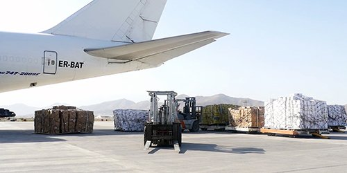 900 Tons Of Fresh #Fruit Air Freighted To India: #ACCI  http:// ow.ly/LLCL30fSU8n  &nbsp;  <br>http://pic.twitter.com/ixPPR52QRZ