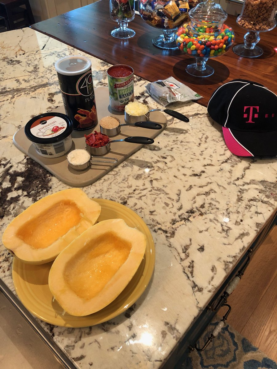 Who is ready for #SlowCookerSunday?! I am!! Head to my #facebooklive now to see what we're cookin' up!