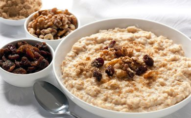 Simple, nutritious, and delicious. We're talking about #oatmeal for breakfast! So comforting on a chilly fall day >> https://t.co/XAmbMqBP25