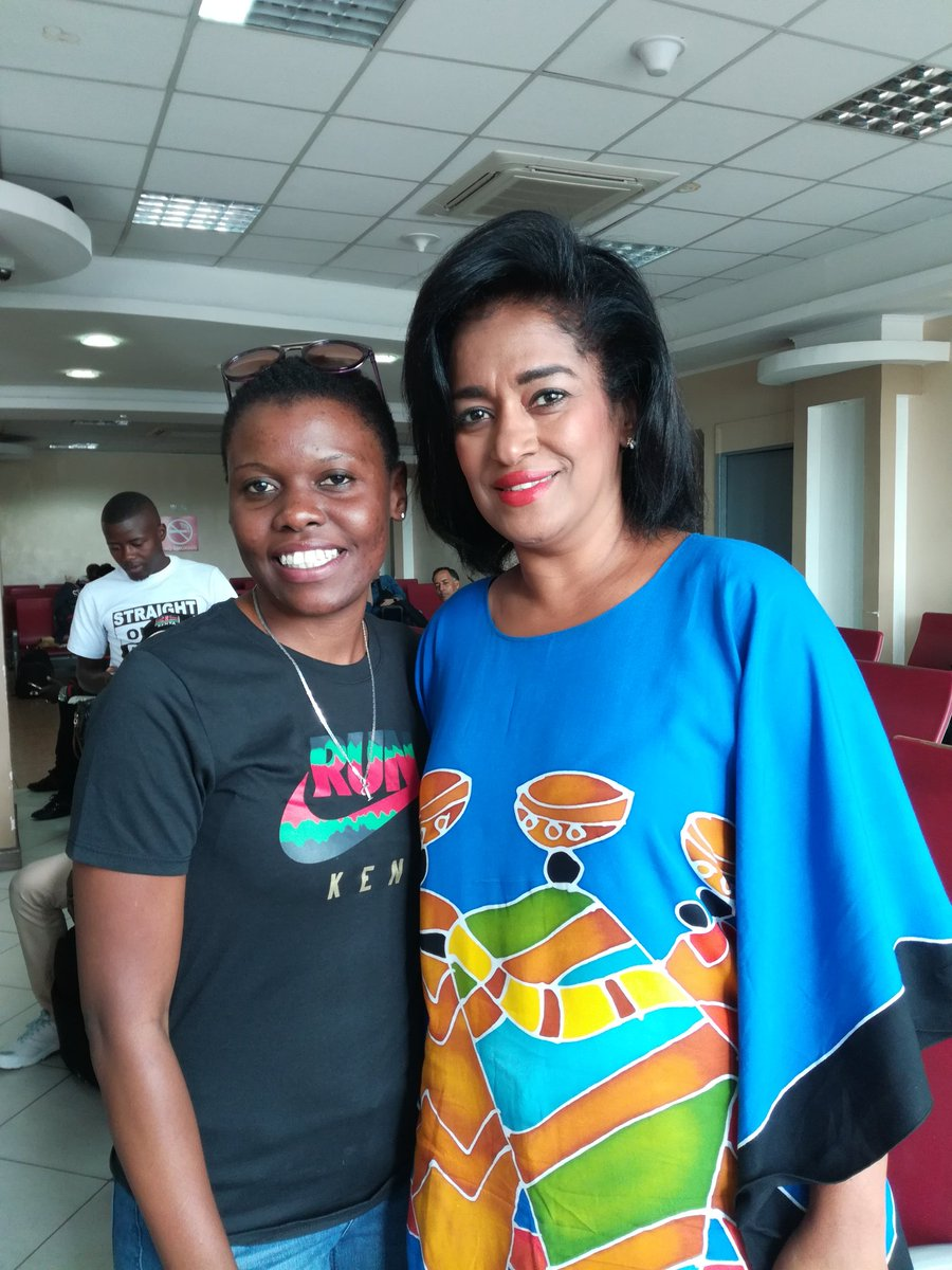 Met Hon Passaries an influential women who commits in giving back to the society@EstherPassaris #philanthropic @WashFellowship @YALINetwork<br>http://pic.twitter.com/Ajqyf4c6Yk