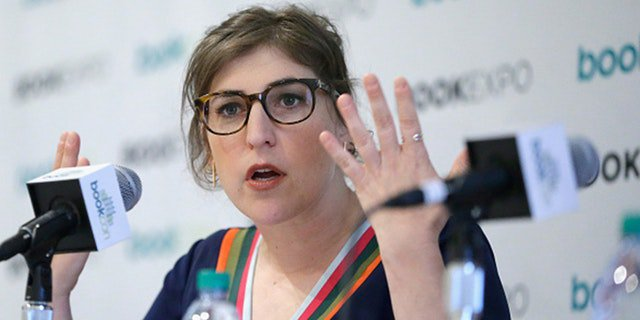 People are not psyched about Mayim Bialik's victim-blaming op-ed https://t.co/Lgh8fztZzX https://t.co/1VJYl3qm9q
