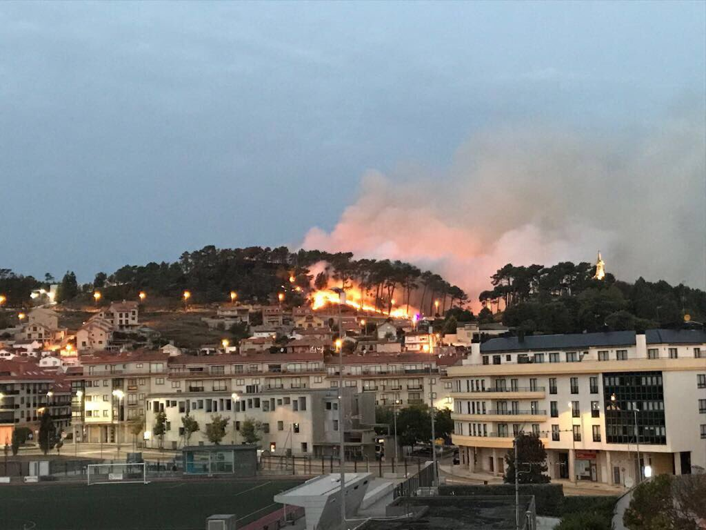#Galicia under more than 85 active #forest fires burning close to cities @CopernicusEU @CopernicusEMS strong #winds # <br>http://pic.twitter.com/pboAFN6XRx