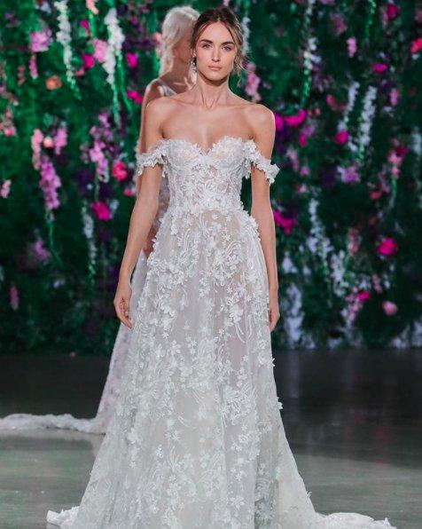 More #bridalfashionweek gorgeousness from @galialahav! <br>http://pic.twitter.com/YMBWl0plHY