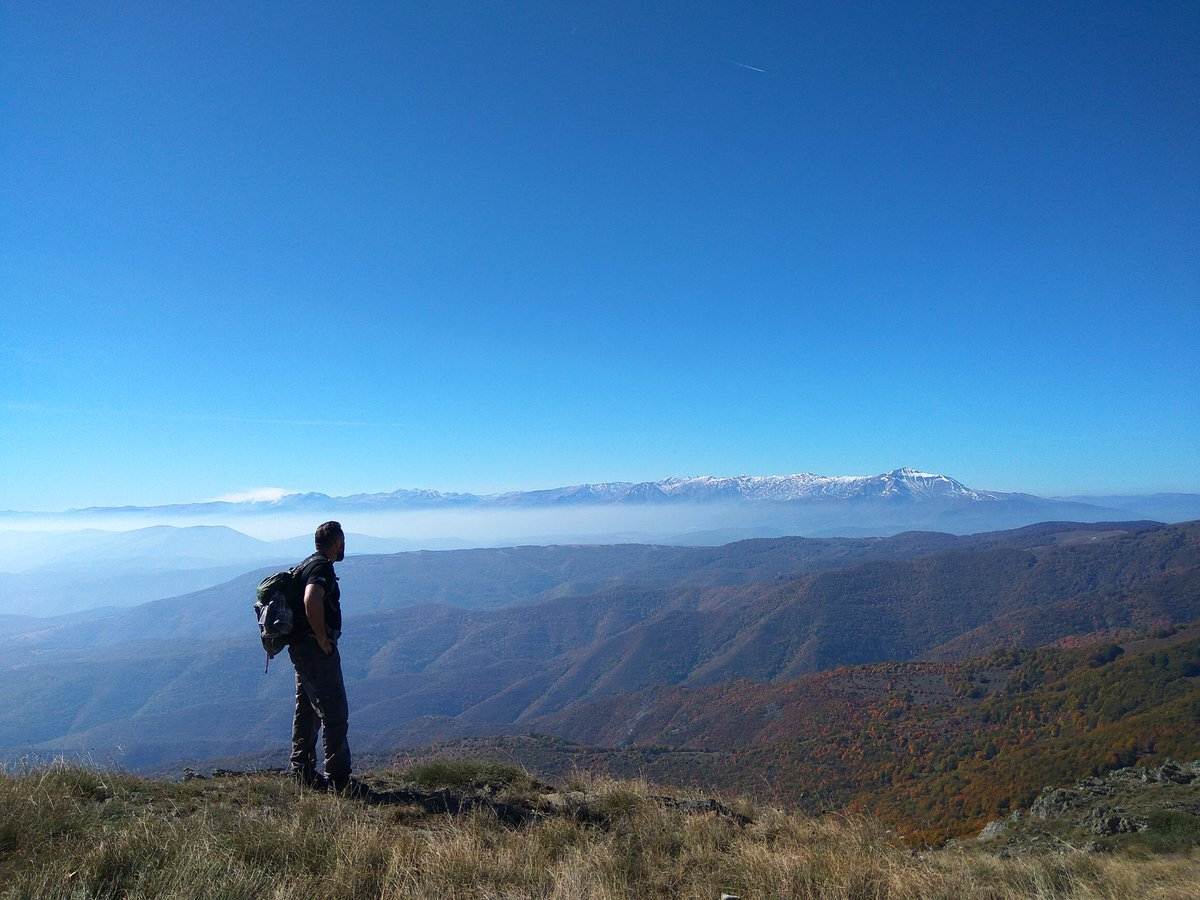 &quot;Endless #Macedonia&quot; #sarplanina #Hike #autumncolours #bluesky #mountains #Mountainbike <br>http://pic.twitter.com/6D4h9mdkap