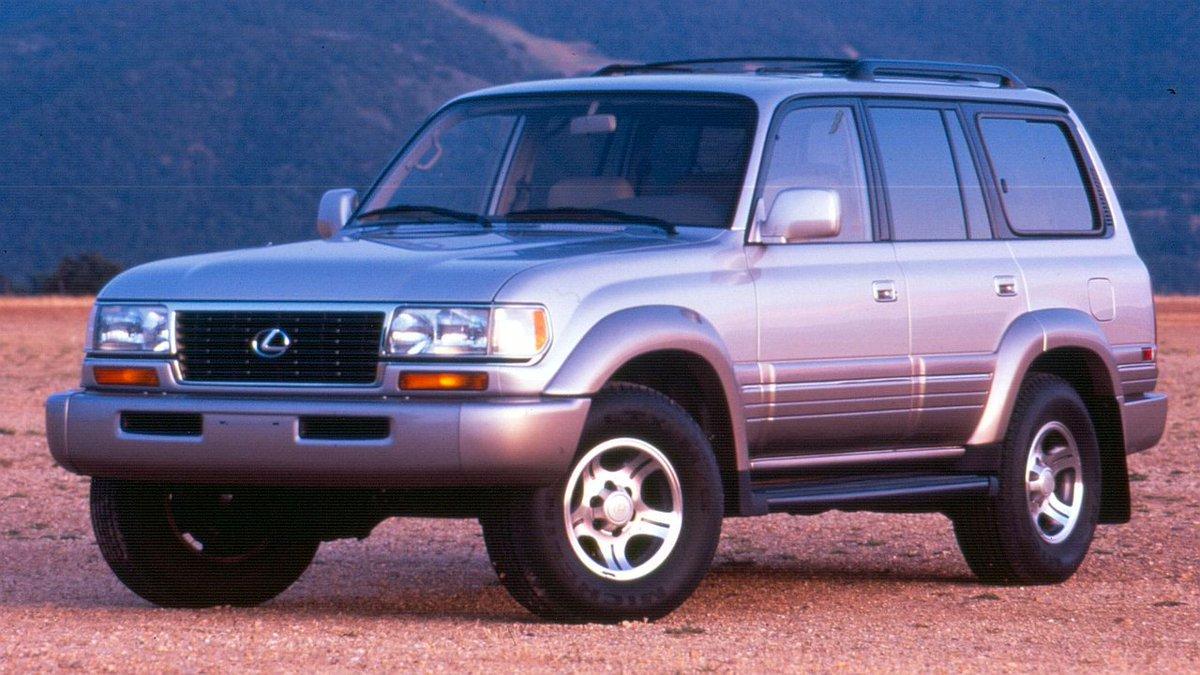 The LX 450 (1995 - 1997) was Lexus's first SUV. #Lexus #LexusLX #LX #LX450 pic.twitter.com/lQf6kzYaMZ
