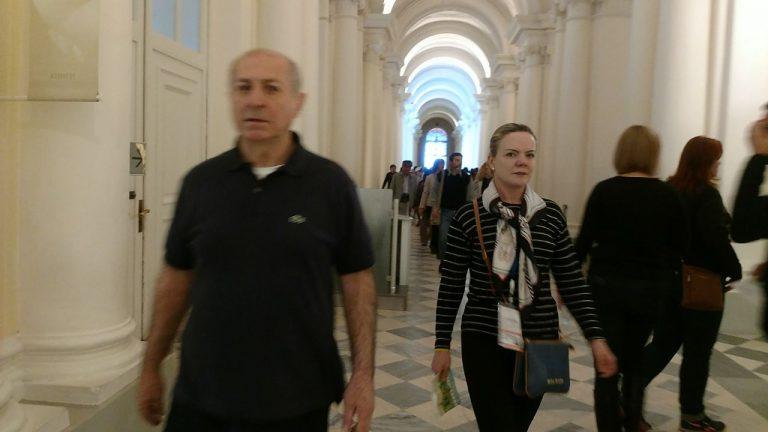 Gleisi Hoffmann e Paulo Bernardo são vaiados em museu na Rússia (via @soracy) https://t.co/cLZXR0p385