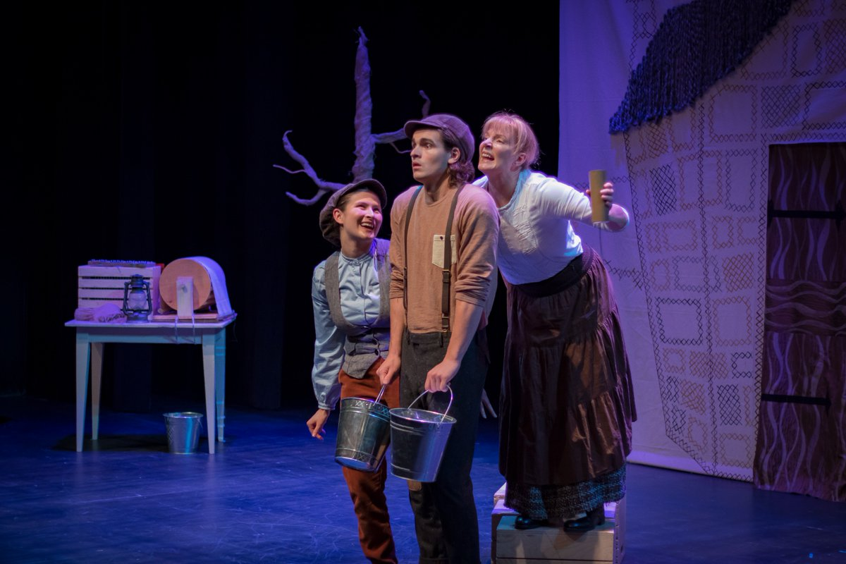 Do you take your (grand)children to the theatre. You should. Try #Bello @YPTToronto and read my review here  http:// jameskarasreviews.blogspot.ca/2017/10/bello- review-of-young-peoples-theatre.html &nbsp; … <br>http://pic.twitter.com/HmgoJWT19z