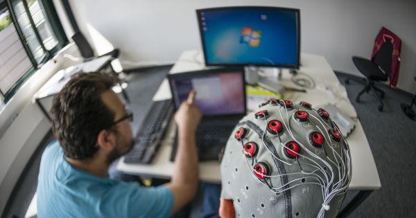 Elon Musk Wants to Meld the Human Brain With Computers. Here's a Realistic Timeline.  http:// j.mp/2ymDVoq  &nbsp;   #AI #Neuralink #Singularity <br>http://pic.twitter.com/GSHUcwzEUN