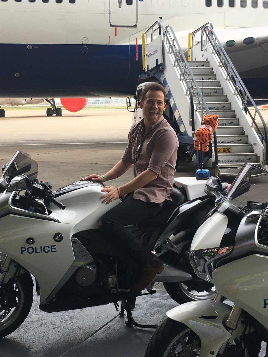 aviation policing mpsheathrow twitter
