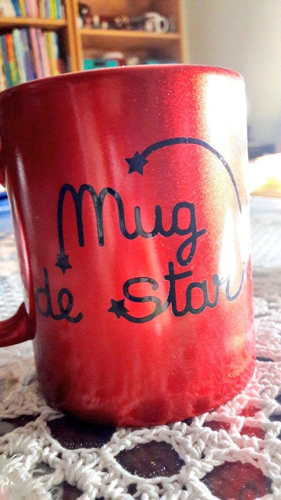 Pour un artiste aussi talentueux que toi @Amir_Off, il faut bien un mug à ta hauteur..  Cadeau que tu as reçu au #TopMusicVIP à Haguenau pic.twitter.com/s9887jgl2E