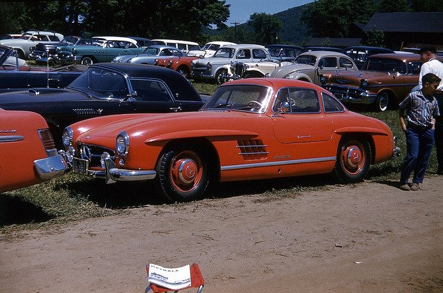 #Mercedes 300SL Gull Wing Coupe  Lime Rock parking lot 1957 <br>http://pic.twitter.com/R7KuJM9J7r