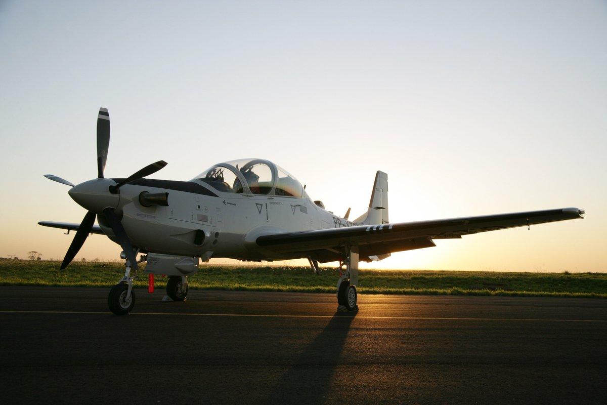 زبون غامض يطلب شراء 6 طائرات A-29 Super Tucano  DMQ-DyQW0AACLjw