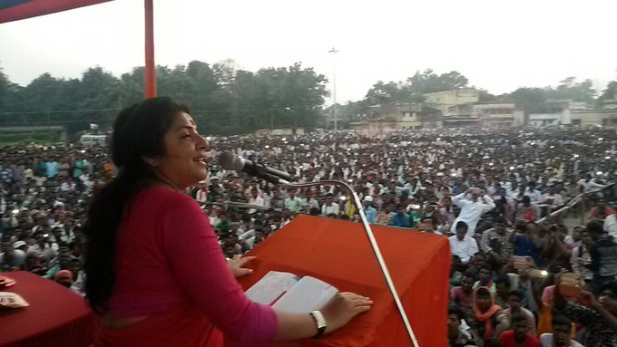Addressed public meeting at Purulia. Thank you Purulia for showing support for BJP. #Day2ofPravaas https://t.co/CQyzagKceu