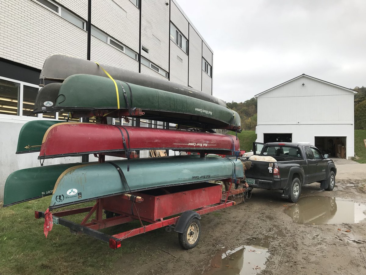 The Upper House of the Mooosalamoo Center heads off on the Paddle and Portage expedition. #ovvtpride #performanceassessment #relevant <br>http://pic.twitter.com/oCFkSthqKJ
