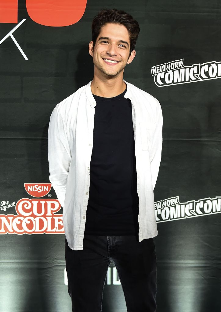 LOOK AT THIS CUTE FACE 😘 Happy, happy birthday @tylergposey!