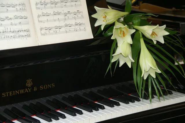 Про мужа, открытка на учителя музыкальной школы