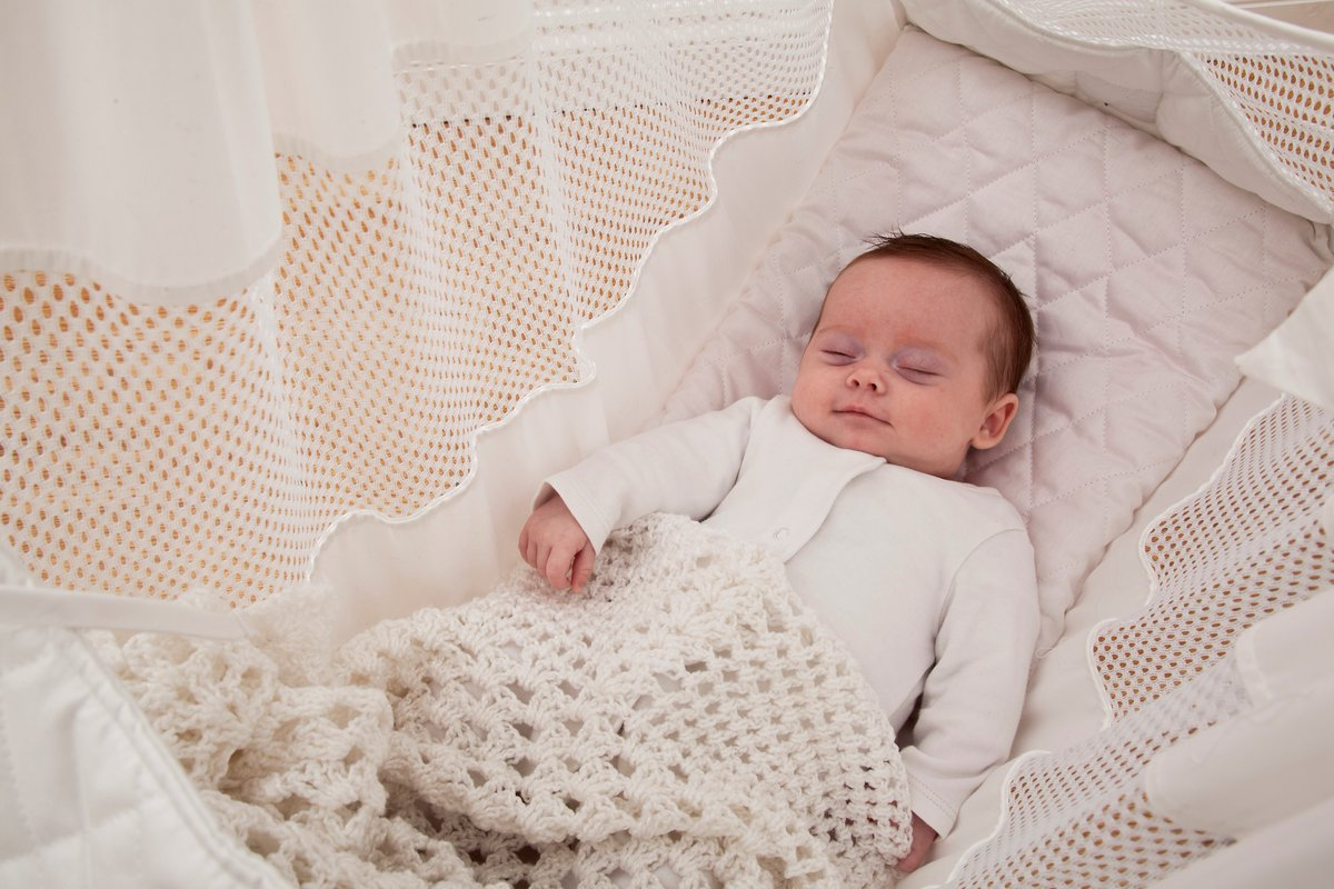 baby hammock reviews uk and lolesinmo   baby safety womb hammock crescent womb  a newborn crib hammock which      rh   mdcsthomedesign kawen pw
