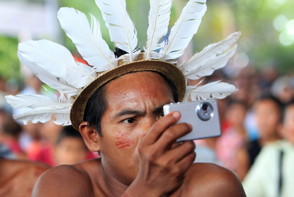#PopeFrancis announces Synod of Bishops dedicated to people in Amazon  http:// cnstopstories.com/2017/10/16/pop e-announces-synod-of-bishops-dedicated-to-people-in-amazon/ &nbsp; …  <br>http://pic.twitter.com/DEx476tgfA #SouthAmerica