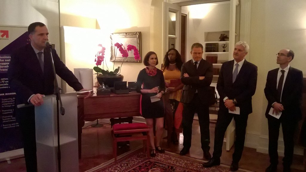 Amb Farnaud: #VIE young french interne in #SA taking part in Tech transfer<br>http://pic.twitter.com/wyDoIbRUrf