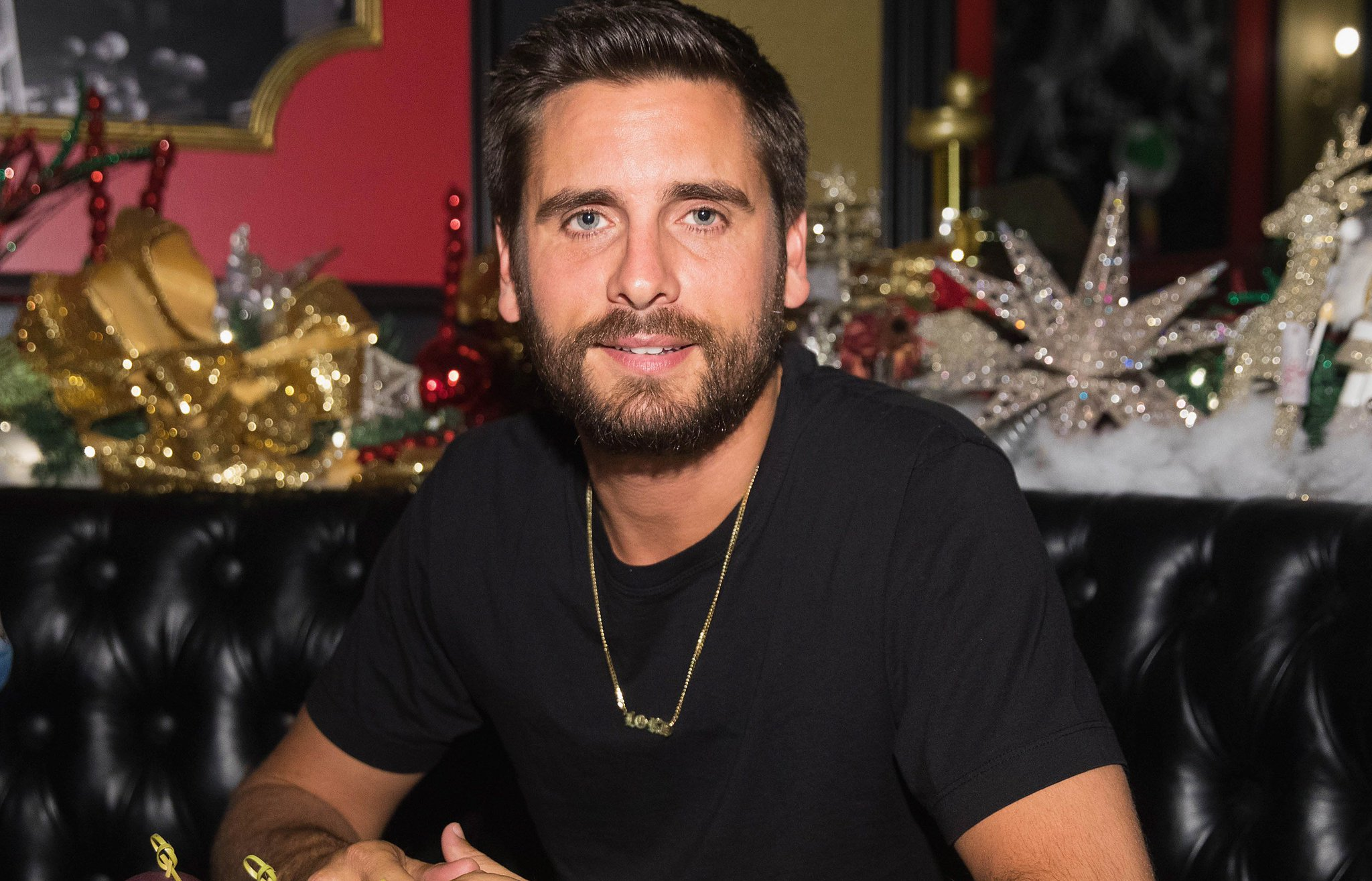 Did Scott Disick just low-key confirm Khloé Kardashian is pregnant? https://t.co/LXtvrt7bOi https://t.co/gNN7VUqAwn