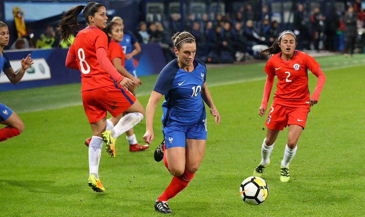 Équipe de France féminine de football DMRo7R7XcAENXUN