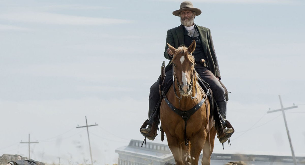 Here's Your First Look At Steven Soderbergh's Godless, Starring Jeff Daniels And Cowboys. https://t.co/twcfeTcea4