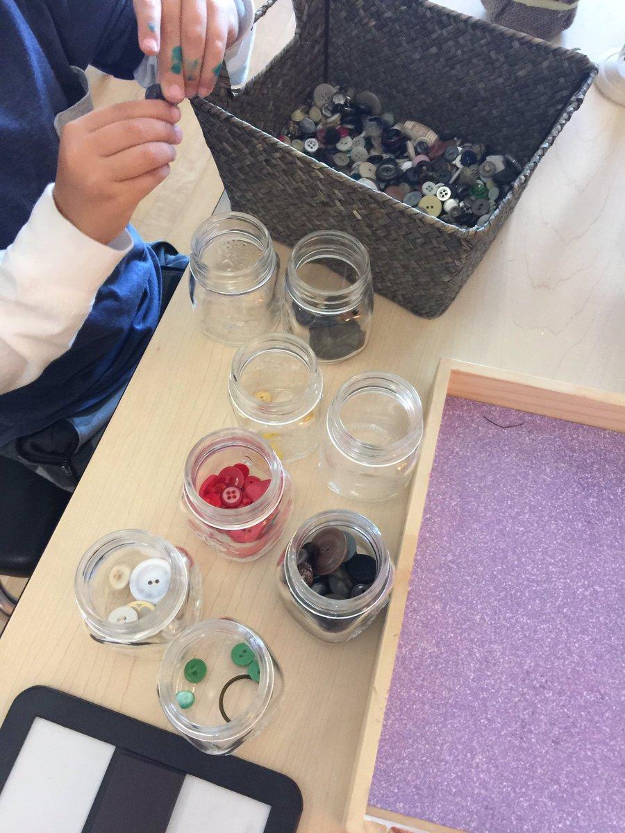 Sorting up a storm! #inquirybasedlearning #sensory #kindergarten #maths <br>http://pic.twitter.com/U0QYPDgTiq