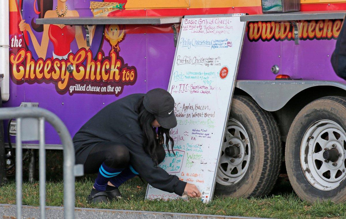 Www Cheesychick Food Truck