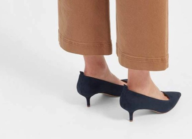 .@Everlane's new kitten heel launch is proof that the trend is totally back https://t.co/legGK134np https://t.co/fzYm9VWSs7