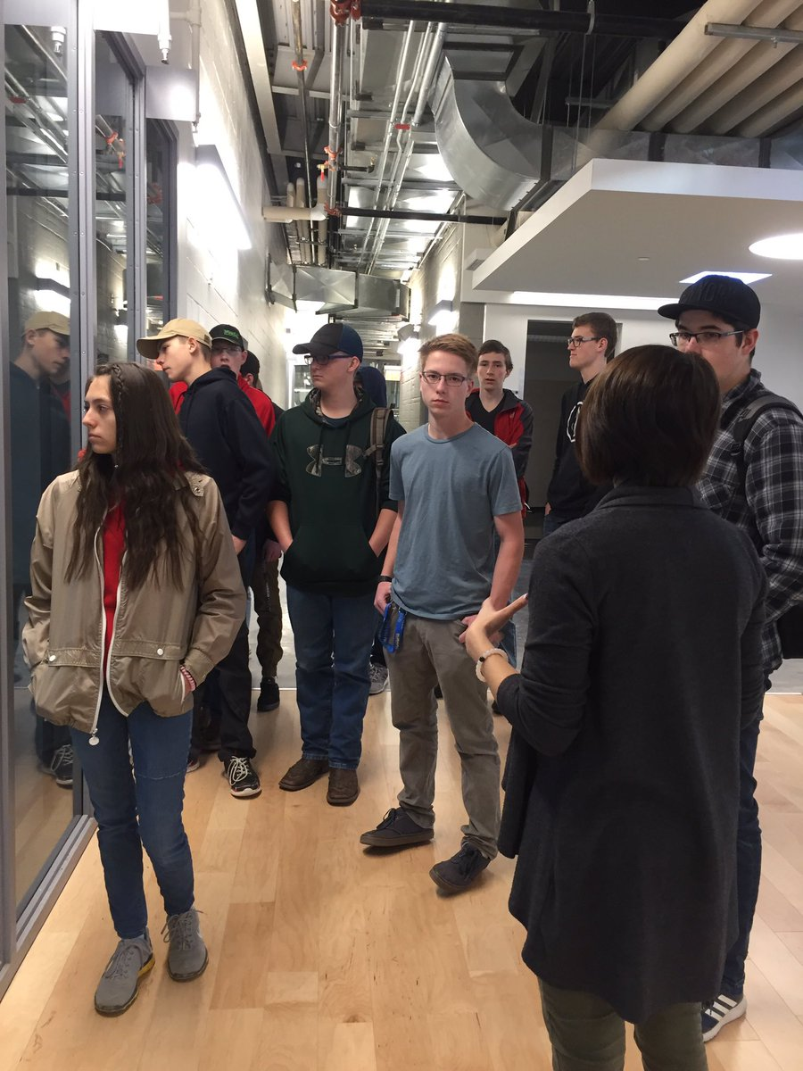 Thanks for the great day @LethCollege. The students enjoyed the tour and learning hands on skills #collegecruisin #trades #lci @LethSD51<br>http://pic.twitter.com/9v2ltXqaDl