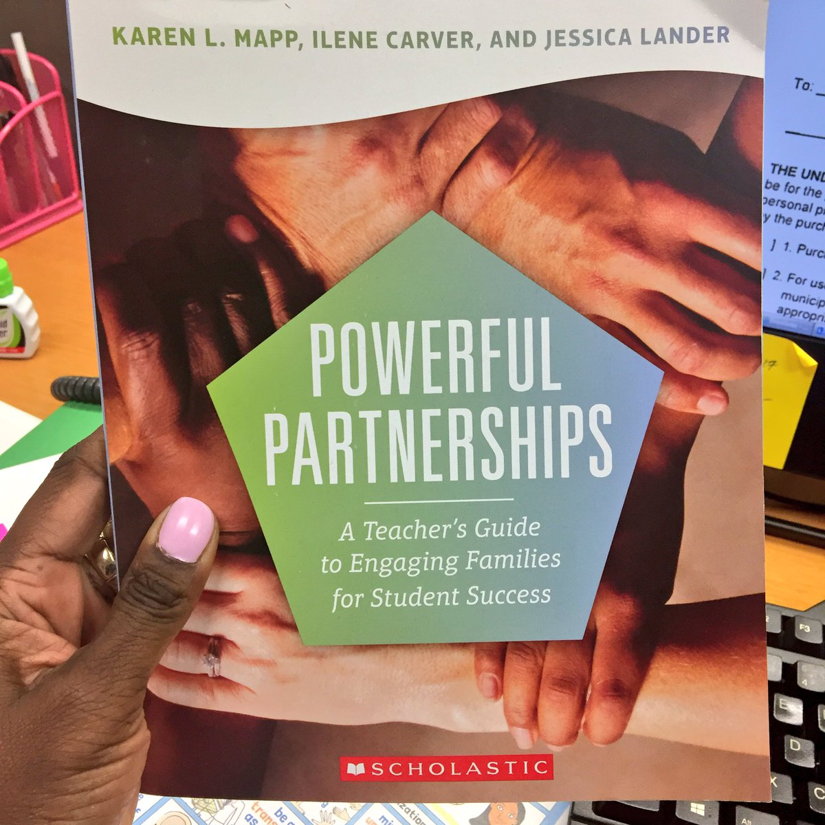 A special shout out to @DrEmilyAMassey who brought this back for us! #she&#39;sthebest And it&#39;s autographed by @karen_mapp  #APSFamiliesEngage<br>http://pic.twitter.com/xvedmTnKNR &ndash; à Atlanta Public Schools