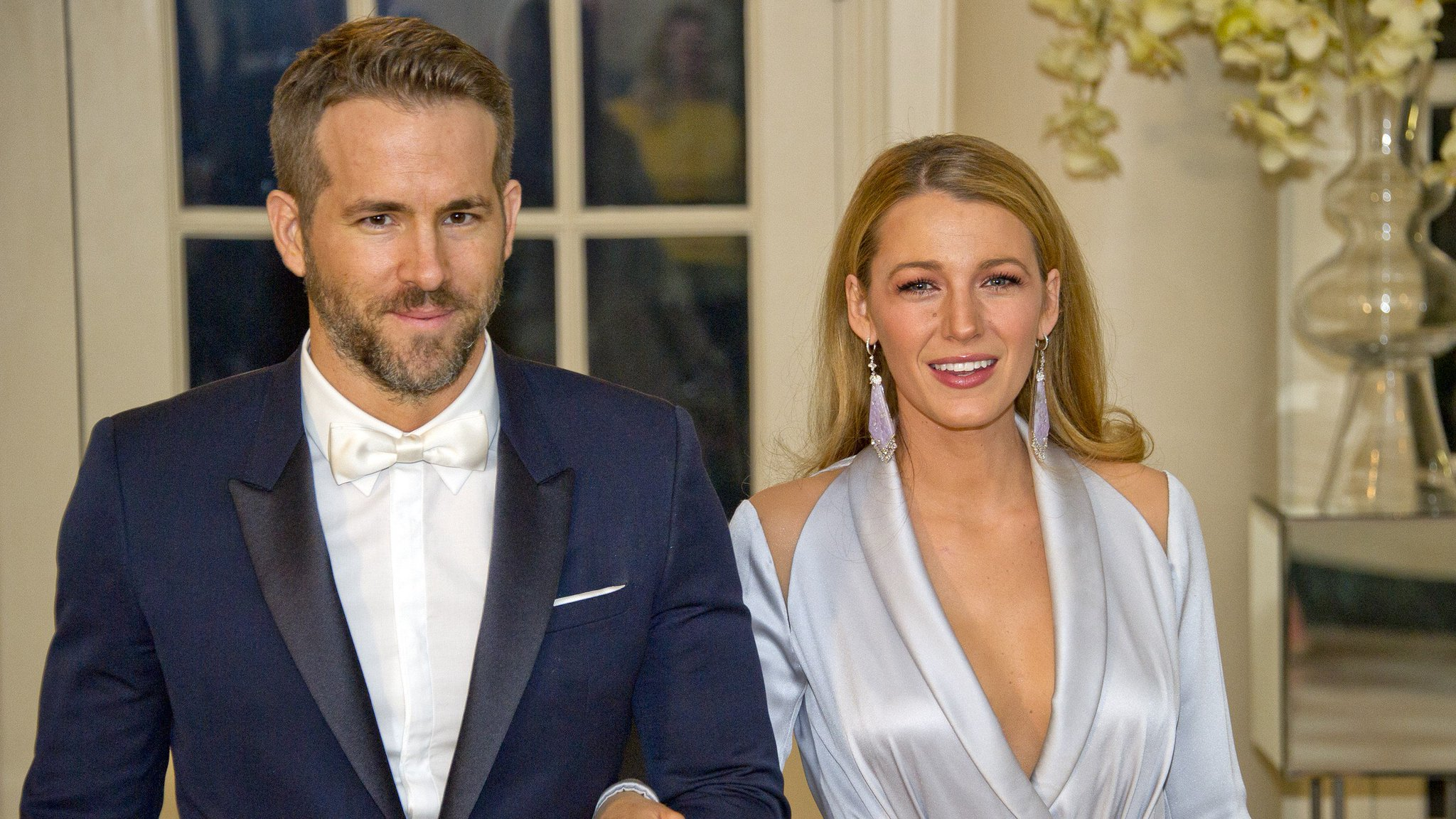 Blake Lively says filming sex scenes is easier when your husband is Ryan Reynolds: https://t.co/R0DQ8zMulq https://t.co/C2ix27DMhR