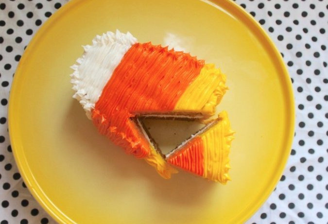 How to make a vegan candy corn cake even haters will love https://t.co/lH5YSCw9fS https://t.co/15TRaHdT8Q