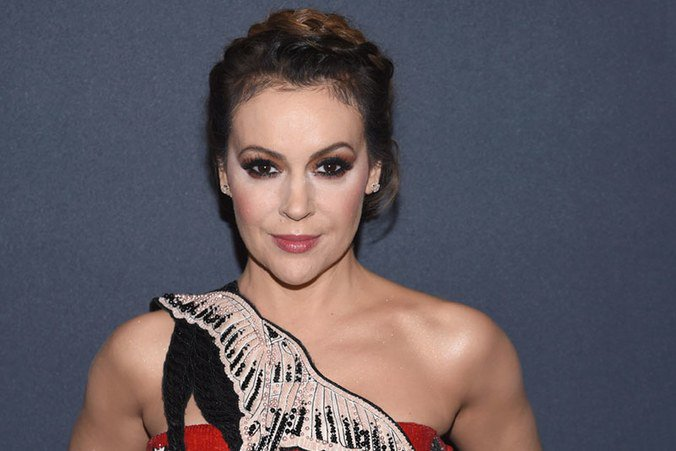 .@Alyssa_Milano started the #MeToo hashtag to show how widespread sexual assault is. https://t.co/TBlE1suf3Z https://t.co/iad4MXYOXM