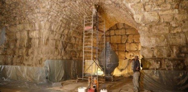 2 mil anos e conservado | Arqueólogos israelenses descobrem 'anfiteatro perdido' na Terra Santa https://t.co/VZQev69ESk