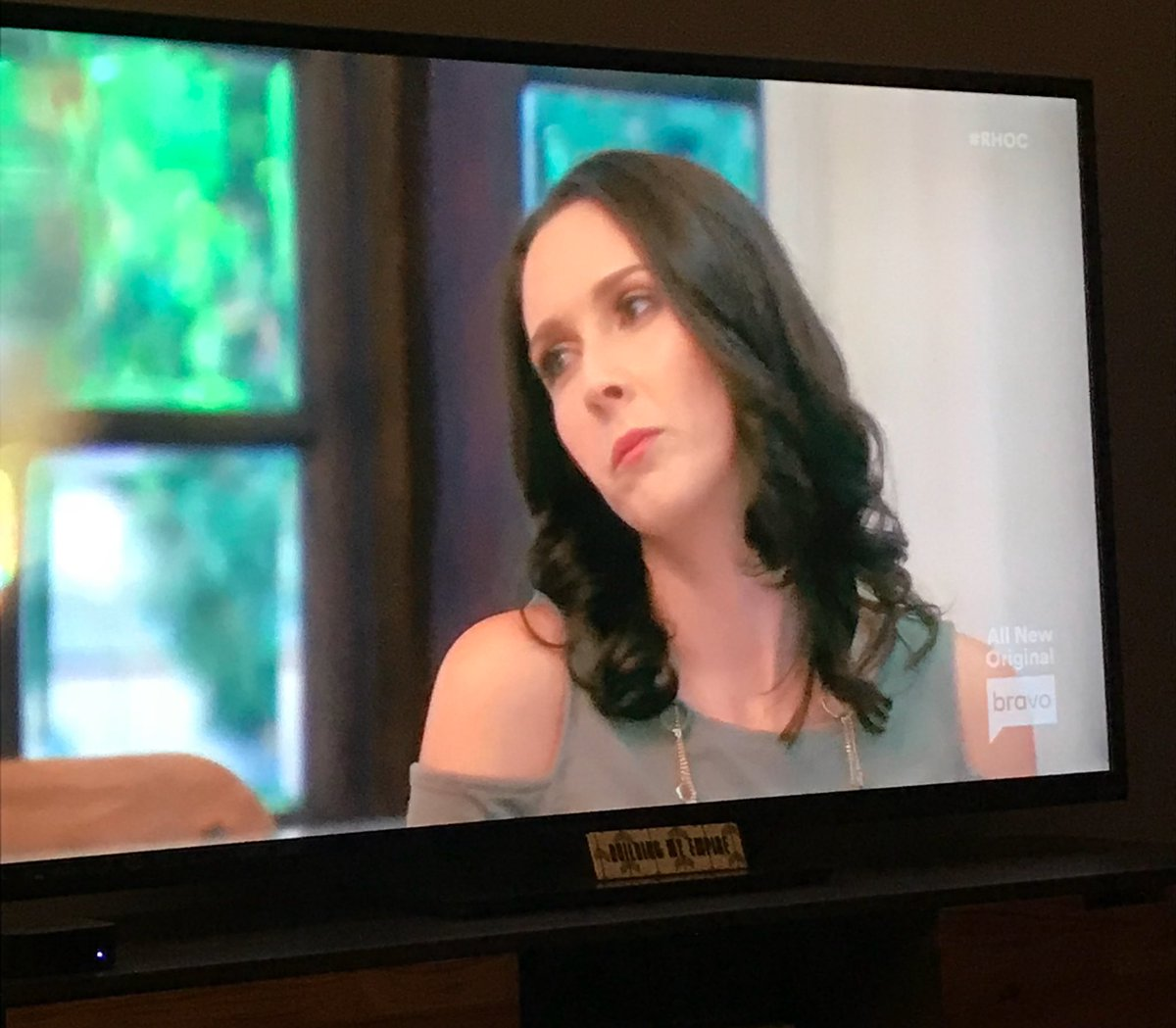 Omg this creature #MysticMcKayla #RHOC https://t.co/rrxRBfliB7