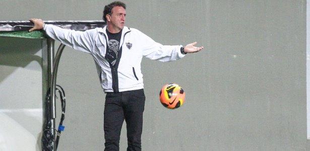 Mercado aquecido | Troca de técnicos pode levar Roger ao Santos e Cuca ao Atlético-MG https://t.co/wEQo8ty0Tl