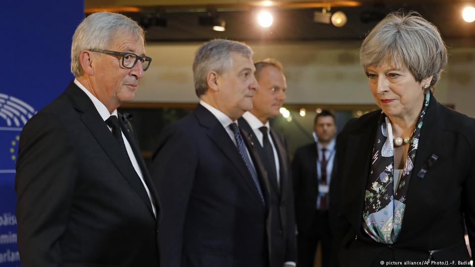 #Brexit talks: Theresa May and Jean-Claude Juncker pledge to 'accelarate' negotiations https://t.co/Qe6FuNn6gi
