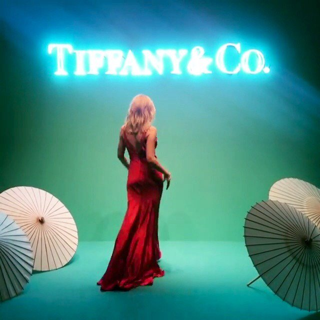 Theshowgirlaphrodite: So Happy To Be In Tokyo Performing For @tiffanyandco ??  http:// eastbuzz.grayraindrops.com/site/kylie/188 6103/ &nbsp; …  #kylie <br>http://pic.twitter.com/99hswAzMxB