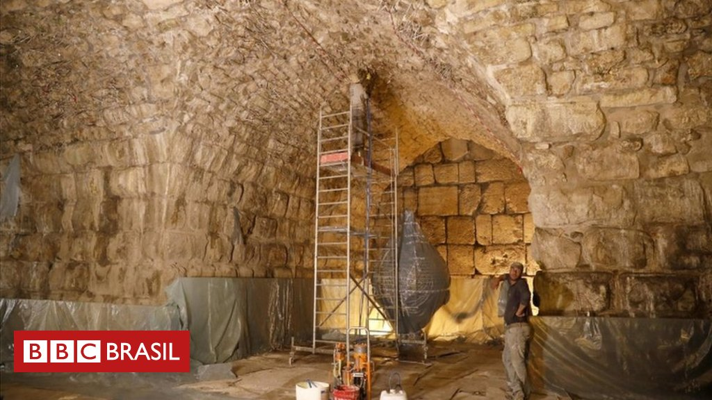 Arqueólogos israelenses descobrem 'anfiteatro perdido' em local emblemático da Terra Santa https://t.co/BMKYqZIFho
