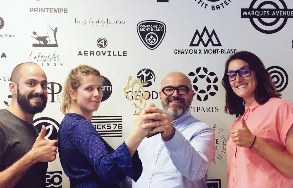 L'agence et@CarrefourFrance décrochent l'or au #TOPCOM17 dans la catégorie design global.  pic.twitter.com/KqMHKW8jzt