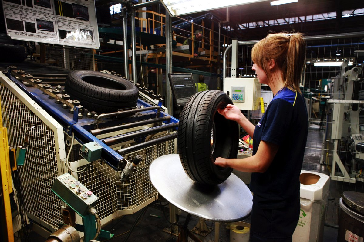 French tyre manufacturing giant @Michelin to ramp up production at #Dundee factory following investment  http:// bit.ly/2ze8tWs  &nbsp;   #GBmfg<br>http://pic.twitter.com/M5MRf4jIcJ