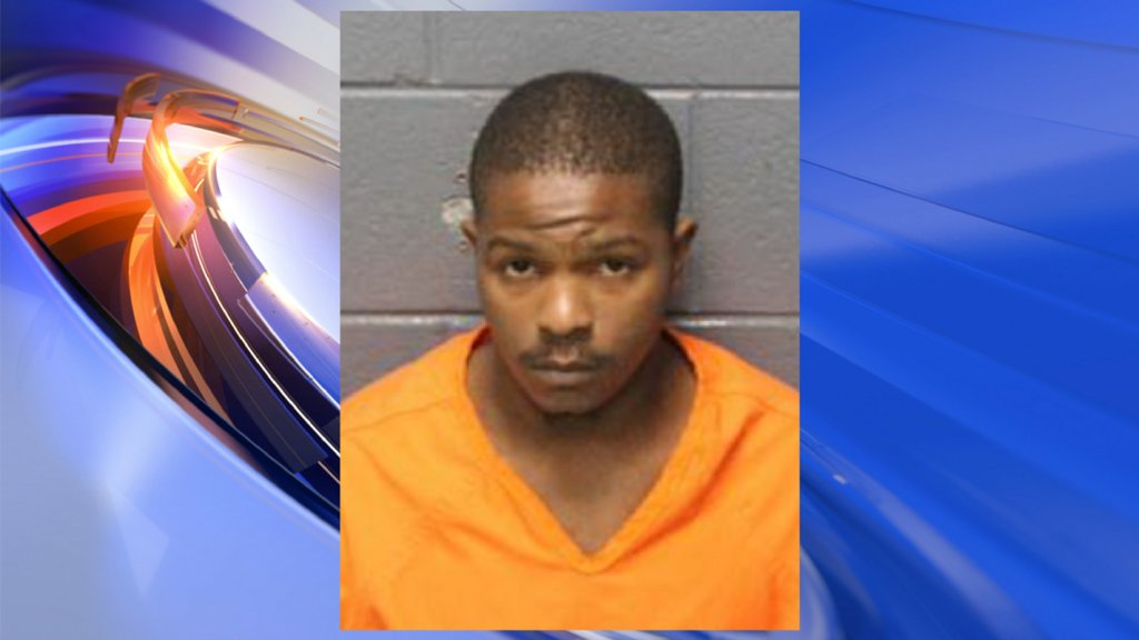 #Hampton Police arrest suspect after shooting incident, search for others involved https://t.co/VnU4tYDat6