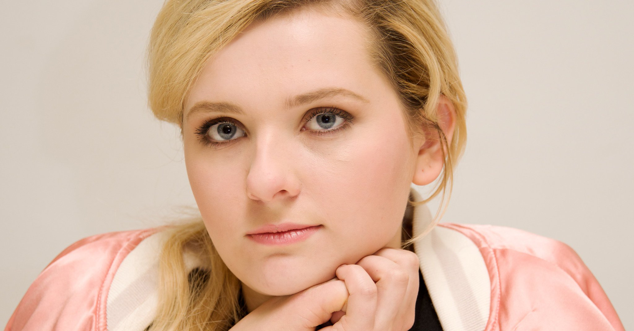 Abigail Breslin opens up about experiencing PTSD after sexual assault and domestic violence: https://t.co/niLrOmB165 https://t.co/A5QGlB6T37
